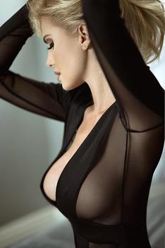 Busty Ukrainian Blondie Leanna Bartlett